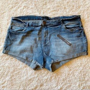 Women's STS BLUE denim shorts size 36 NWT